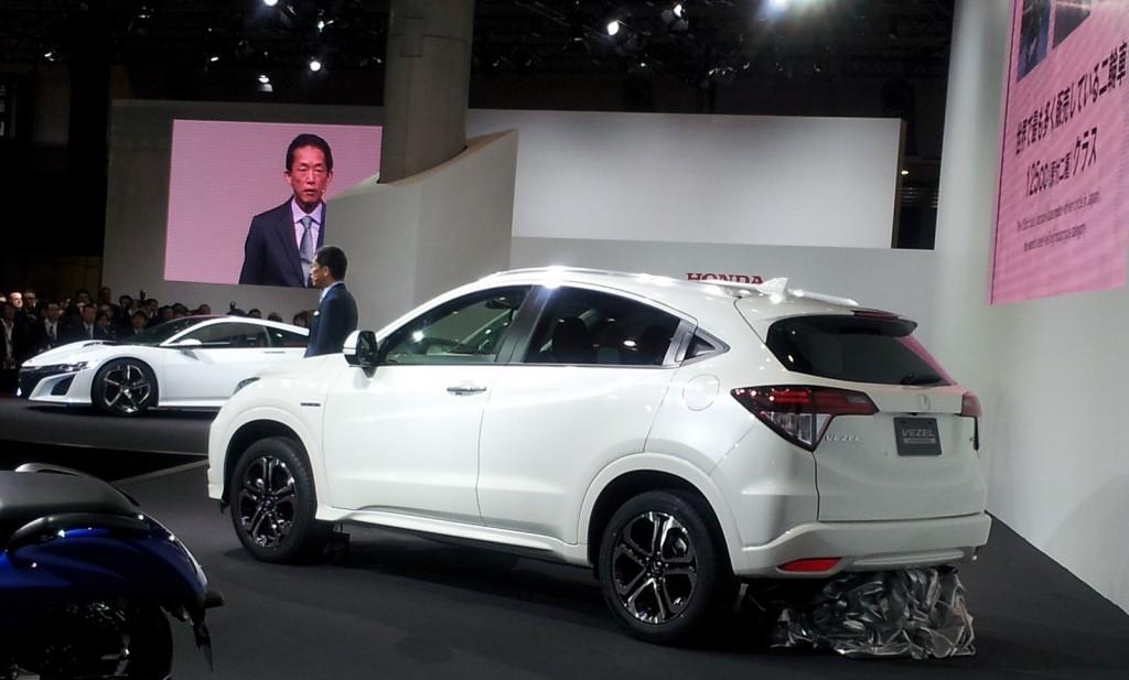 honda-vezel-japanese-market-model-at-2013-tokyo-motor-show_100446657_l.jpg