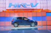 2016-honda-hr-v-debut-at-2014-los-angeles-auto-show_100490765_h.jpg