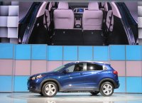 2016-honda-hr-v-debut-at-2014-los-angeles-auto-show_100490769_h.jpg