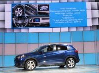 2016-honda-hr-v-debut-at-2014-los-angeles-auto-show_100490772_h.jpg
