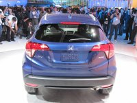 2016-honda-hr-v-debut-at-2014-los-angeles-auto-show_100490774_h.jpg